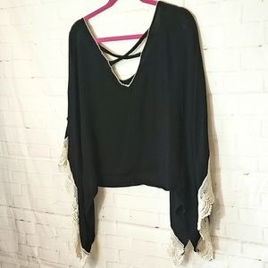 LOVE CULTURE BLACK FLOWY LACE BLOUSE MED